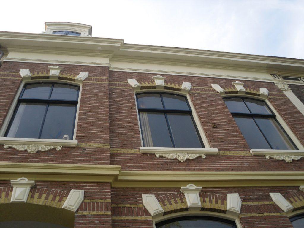 Buiten- en binnenschilderwerk aan de Parklaan te Haarlem