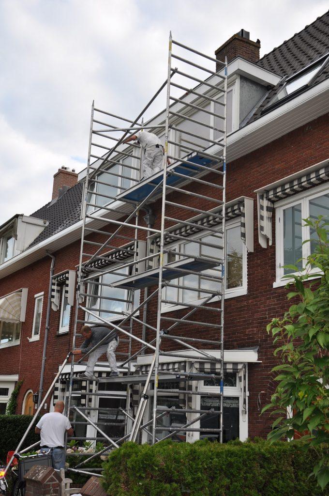 Buitenschilderwerk voorgevel aan de Orionweg te Haarlem