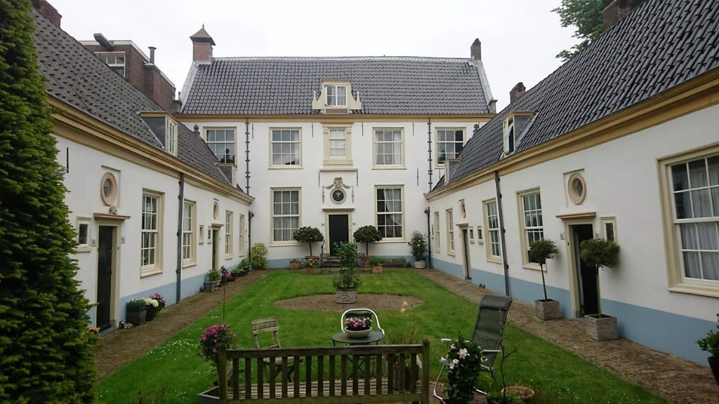 Binnenschilderwerk aan het Vrouwe en Antonie Gasthuis, Klein Heiligland te Haarlem. Uitvoering Mei 2018