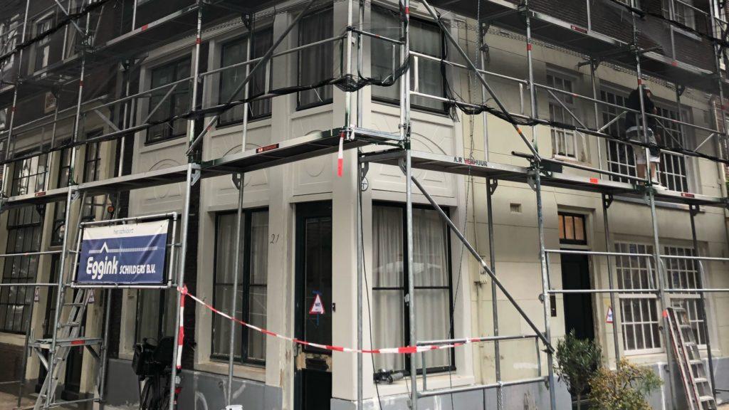 Nu in uitvoering: Buitenschilderwerk aan de Tuinstraat te Amsterdam
